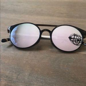 Le Specs sunglasses 🕶